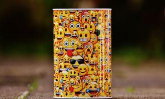 La generación Z, el arte de los emojis y cómo comprenderla