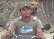 Perrito acompaña a su amo en moto a todas partes (video)
