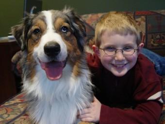 Los niños confían más en sus mascotas que en sus hermanos mayores