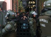 Esta mañana estudiantes secundarios se tomaron la Municipalidad de Santiago