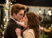 Creadora de 'Crepúsculo' lanza nuevo libro en donde Bella y Edward intercambian papeles