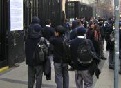 Baja de alumnos en colegios emblemáticos de Santiago preocupa a los apoderados