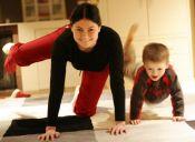 15 cosas que todas las madres hacen y que nunca entenderemos cómo