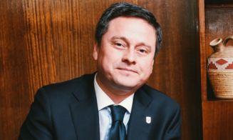 Acusan a alcalde de Concepción de repartir agendas escolares con propaganda política