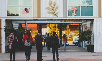 Sernac entrega consejos sobre el período de retracto en planteles de educación superior