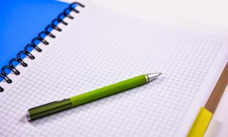 Sernac detecta diferencias de precios de hasta un 88% en cuadernos universitarios