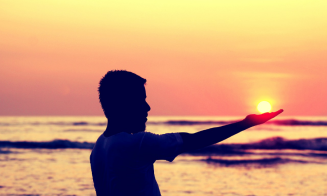 11 señales de que tu ex sigue enganchado de ti
