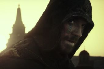 Mira a Michael Fassbender en el trailer de la película de Assassin's Creed