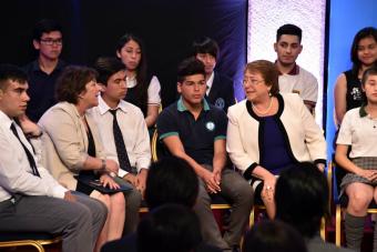 Directores de colegios evalúan con nota 3,6 al actual gobierno