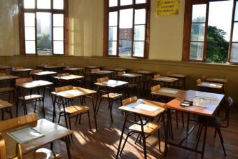 Ex estudiantes del Augusto D'Halmar acusan al liceo de segregar a sus alumnos