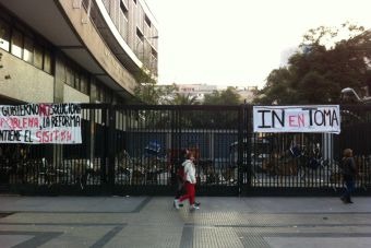 Reconocidos liceos de Santiago no superaron el 70 % de recuperación de clases