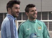 El duelo de habilidad entre Sergio Agüero y David Villa