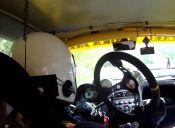 [Video] El piloto de rally que siguió manejando sin volante
