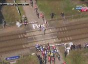 [Video] La insólita interrupción de una competencia de ciclismo en Francia
