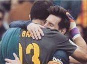 El mensaje de Claudio Bravo a Lionel Messi
