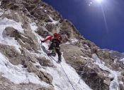 Álex Txikon bate récord al alcanzar la cima del Nanga Parbat