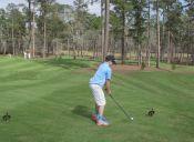 Golf: niño de 11 años sorprende a Tiger Woods con increíble tiro en el campo