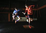 [Video] Los gemelos que dan la vuelta al mundo con sus destrezas futbolísticas