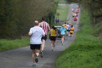 ¿Correr más o correr más rápido?