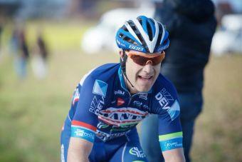 Fallece ciclista belga Antoine Demoitié tras ser impactado por una moto