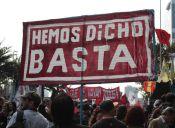 Miles de personas participaron en la masiva marcha de la Confech contra la corrupción