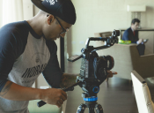 Cine y carreras afines: Lanzan becas para cursar estudios de verano en Estados Unidos