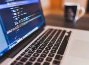 Corfo invita a las mujeres a estudiar programación computacional