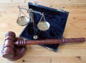 Las 10 mejores cosas de pololear con un estudiante de derecho