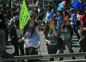 Confech se suma a la marcha del 1 de mayo y piden al Mineduc que reciba a estudiantes de la U. Arcis