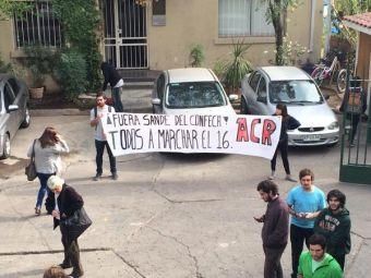 Estudiantes protestaron contra presidente de la FEUC y pidieron su renuncia a la Confech