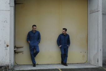 """Alex Anwandter estrena videoclip de """"Siempre es viernes en mi corazón"""""""