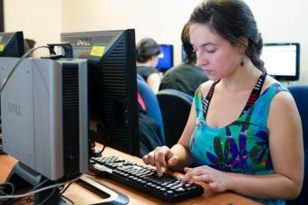 Inscríbete en el curso en línea gratuito de educación financiera enfocado para jóvenes