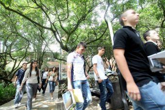Conoce las universidades con mayor y menor brecha entre el arancel referencial y el real