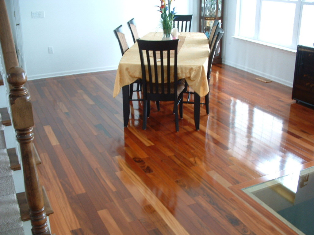 Hardwood floor cleaner bellawood lumber liquidators for Bellawood hardwood floors