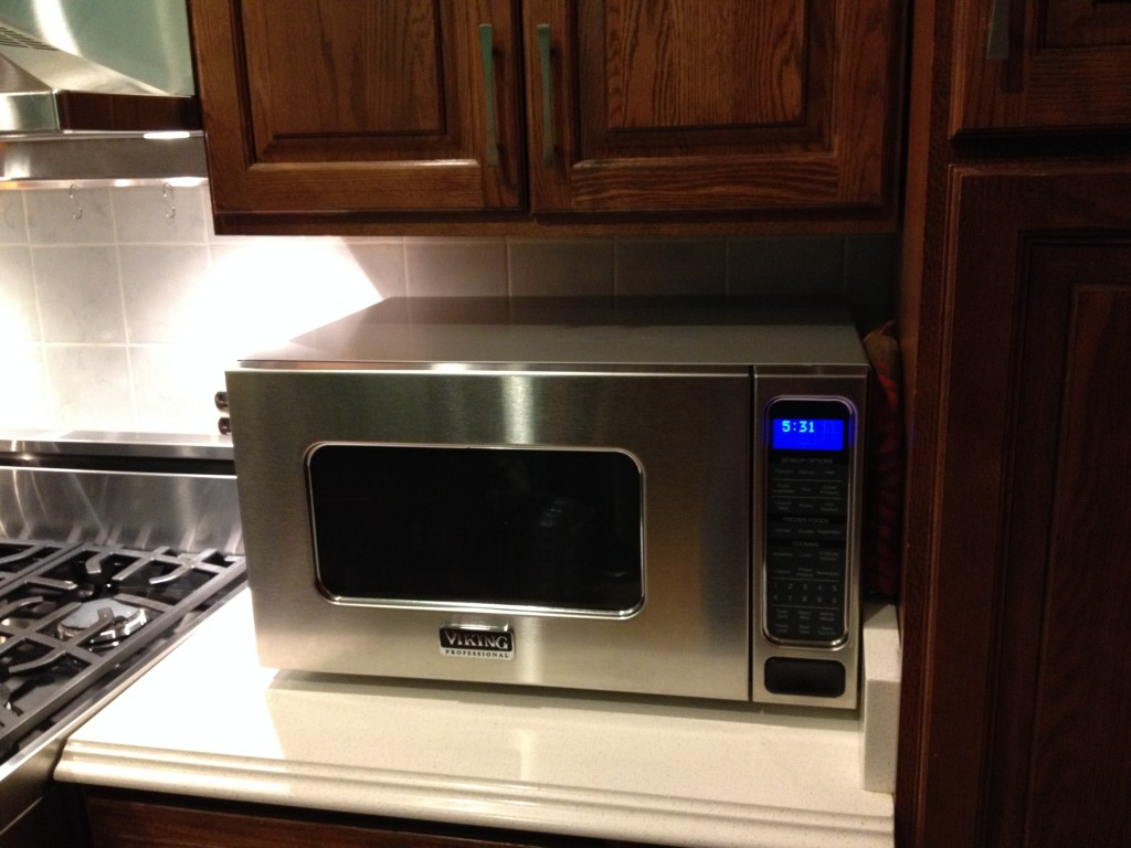 Design Features Fit With Viking Range