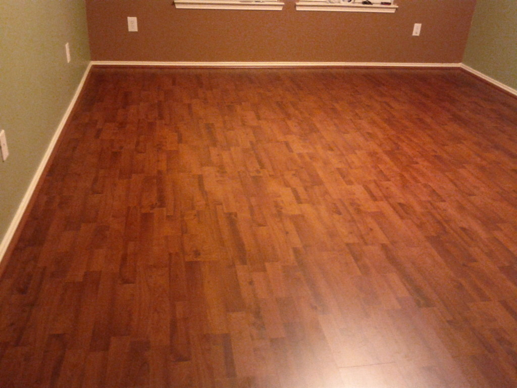 8mm pad royal mahogany laminate dream home nirvana for Nirvana plus laminate flooring installation