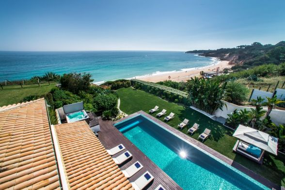 Our Top 10 Villas Across The Algarve With Beautiful Views!