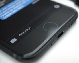 Apple iPhone 7 Charging-Slot