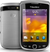 Blackberry Torch 9810 Design and Display