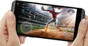 LG Q8 Design and Display