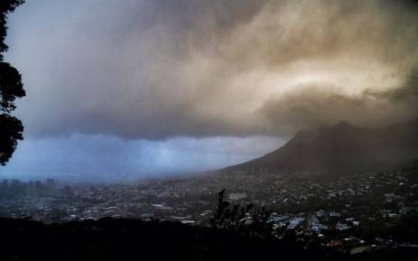 FILE: Thick clouds hanging over Cape Town. Picture: Christa Eybers/EWN