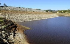 Dam levels drop to 36, 2% this past week and water use increases  #Waterwatch