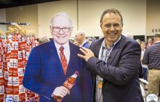Warren Buffet concerned about Trump's policies: Bruce Whitfield