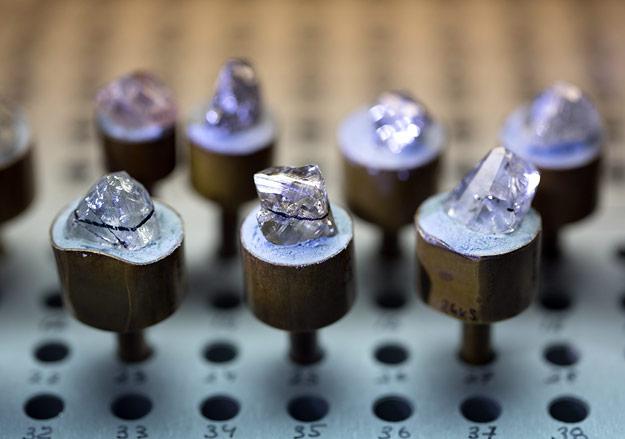 В 2015 году АЛРОСА планирует увеличить добычу алмазов на 5%.