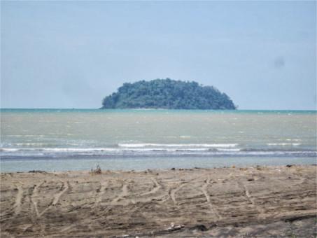 Pantai Guamanik Pecatu Jepara