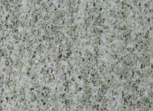 Bianco: quarzo e feldspato potassico; verde: giadeite; nero-argento: fengite (mica)