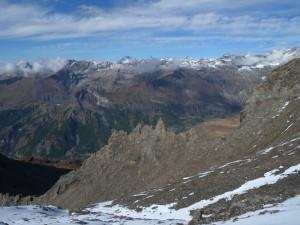 14 - La cresta dei Sigari Bobba, scolpita nei calcescisti della Zona Combin.