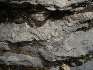 07 - Avec les schistes quartzeux de l'Alpe Aran on sort de l'Océan jurassique et on aborde l'ancienne marge continentale permo-triasique.