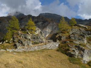 06 - La base del risalto gneissico all'alpe Aran.