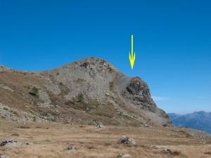 7.Sul Mont Ros la faglia appare in sezione. La cima del Mont Ros appartiene al compartimento superiore.